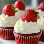 Strawberry-Red-Velvet-Cupcakes3